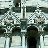 Detalhe do Batistério na Praça dos Milagres
