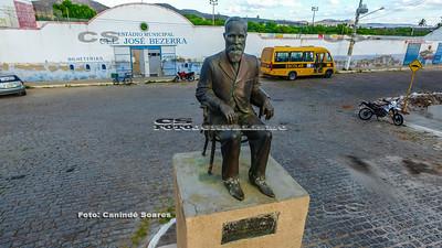 Estátua do Cel. José Bezerra
