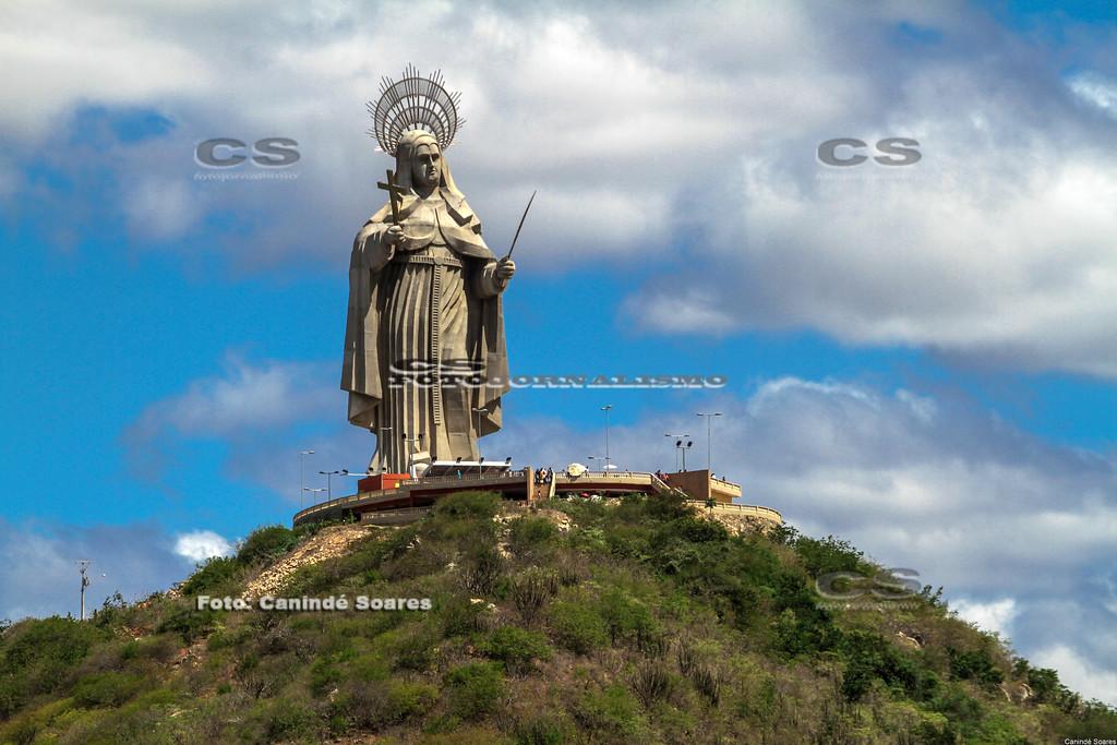 Estátua de Santa Rita