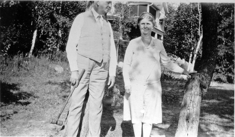 34-a Arthur & Anna B Stebbins by Barr Cottage Photo Roaring Brook