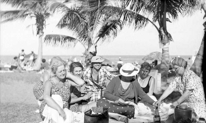 42-a Marie Stebbins & Coral Gables picnic