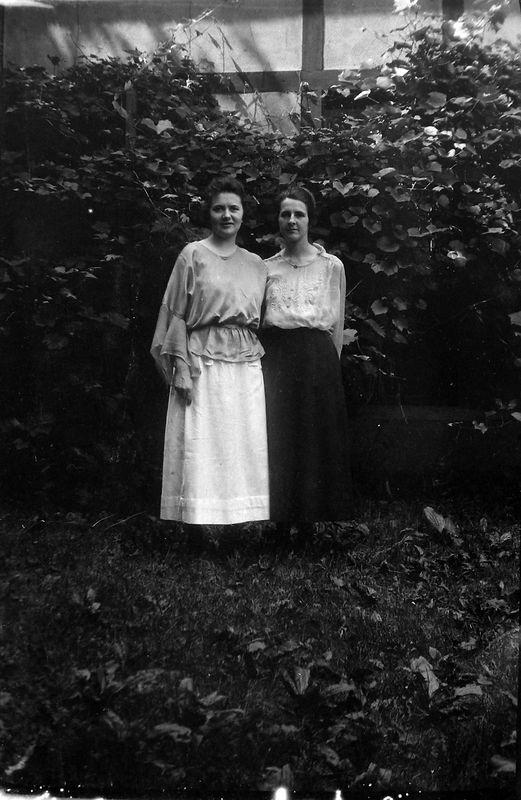 58r Lula & Edith