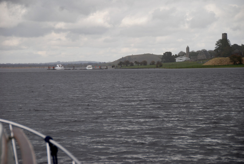 Clonmacnoise. Nice to see other boats on the water.