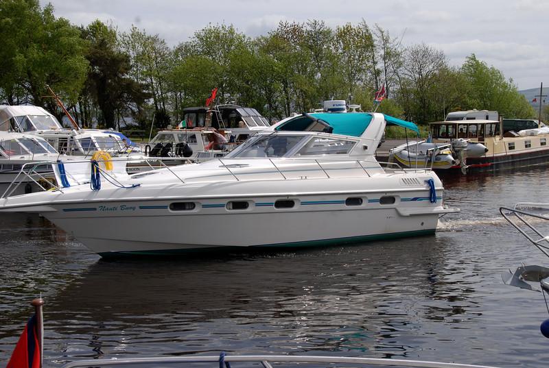 Louis reverses into a berth in Dromaan Harbour..