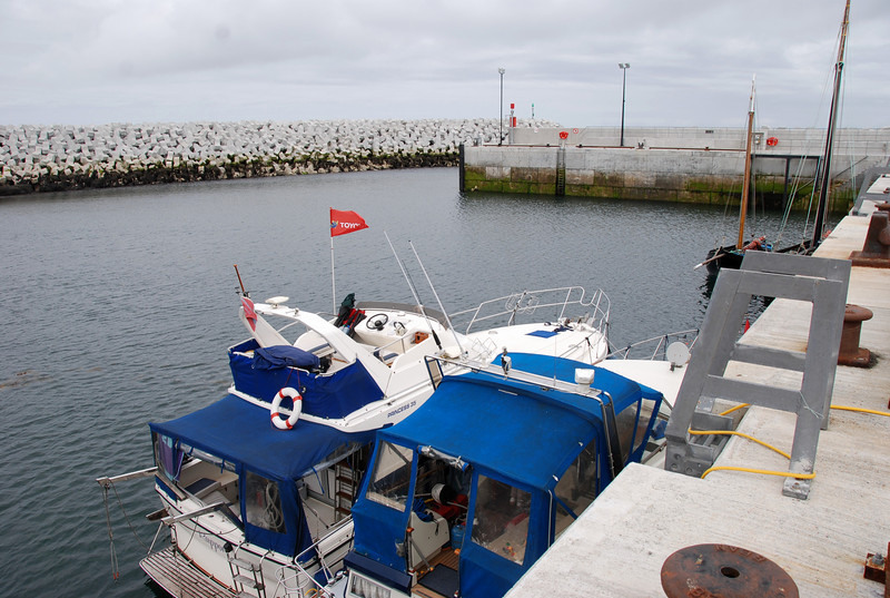 Moored inside new harbour at Inishmaan. FIVE quayside water taps available!!! Presence of de-salination plant on island always ensures a supply of water is available!