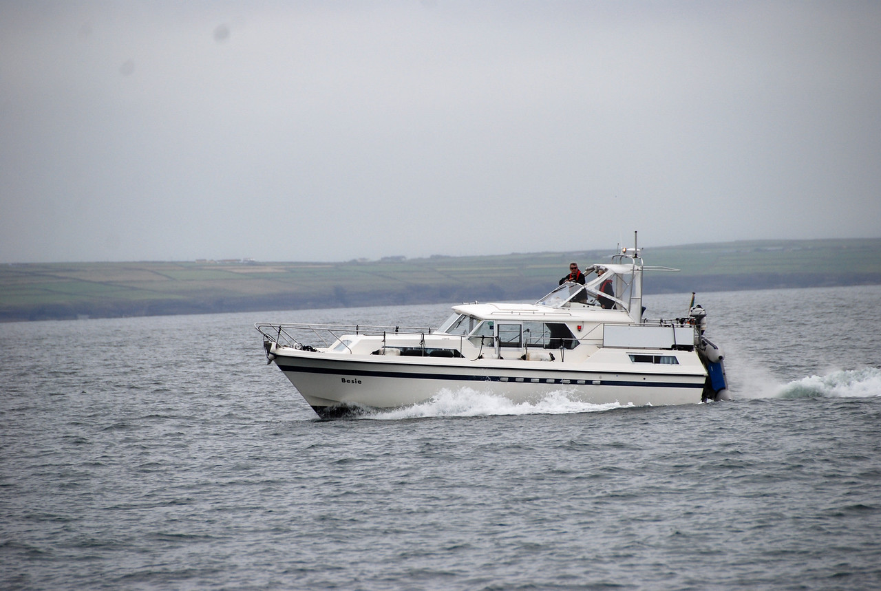 15.34...Besie charges up the Shannon Estuary...