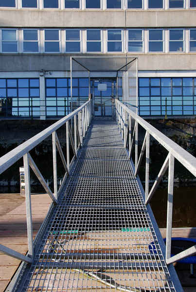 The gangway at Custom House Quay that gives quick access to Limerick City.  Note that heretofore cards to open the gate have been available from the lock-keepers at Ardnacrusha. It would appear that they are being discouraged from providing this service from now on.  However, boaters should be able to acquire a card from Dick Sparling.