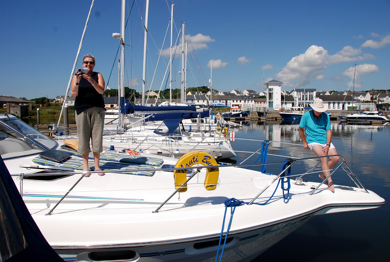 "The crew of Nauti Buoy bid farewell and safe passage to ""Arthur"" and Besie."