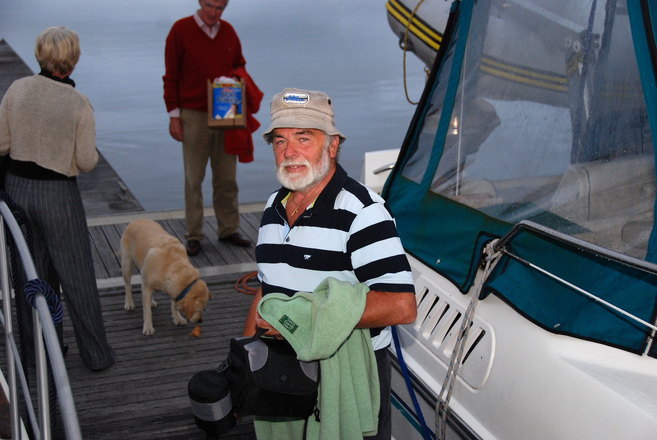 John Ryan (Rapport) pays a visit to Kilrush Creek Marina.