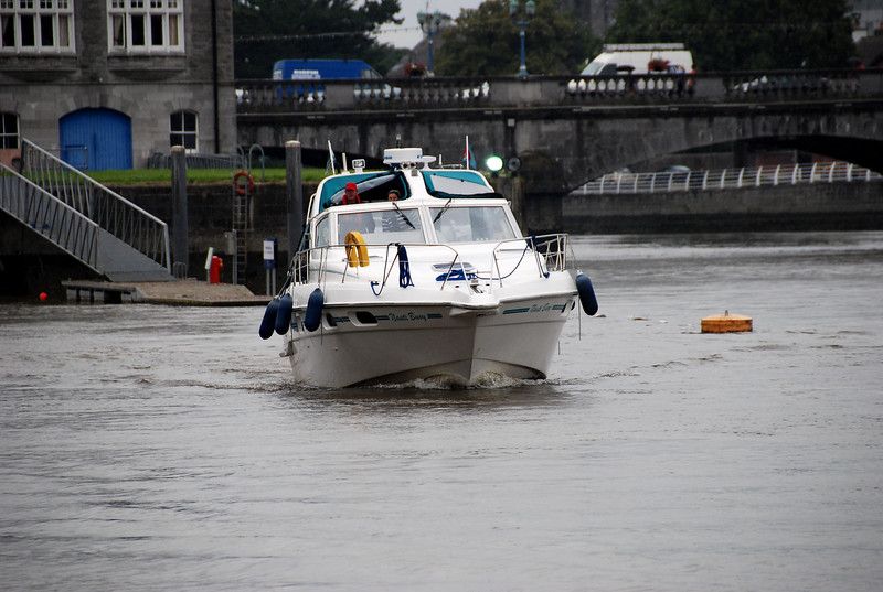 Monday, 16th August.<br /> <br /> Nauti Buoy arrives in Limerick having made the run from Kilrush with Pantou Pau.