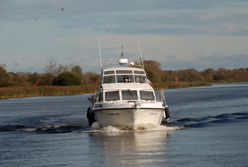 Assistant Commodore for the weekend, Matt Ryan, heads towards Portumna Bridge