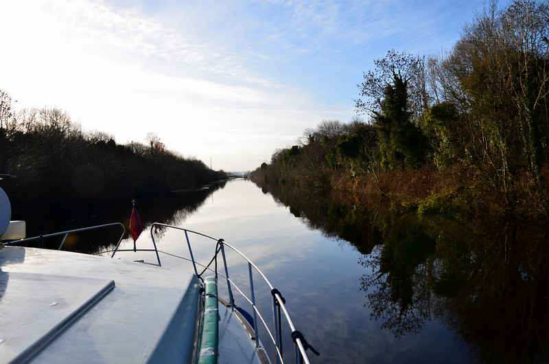 The approach to Victoria Lock. We rang ahead and Stephen promised to have the lock gate open for us when we arrived.