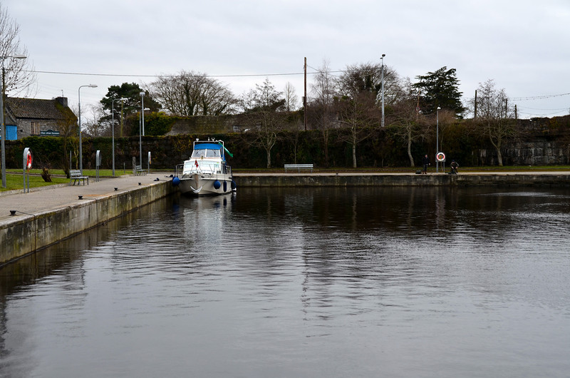 """On a hunt for water! """"Arthur"""" in the public harbour at Banagher.  But no water avaialble anywhere! Not in the public harbour, not at CarrickCraft, nor at Silverline!"""