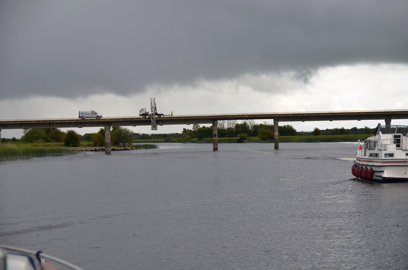 And then we continued on our journey south.  At Shannonbridge we encountered workers on the Bord-na-Mona bridge.