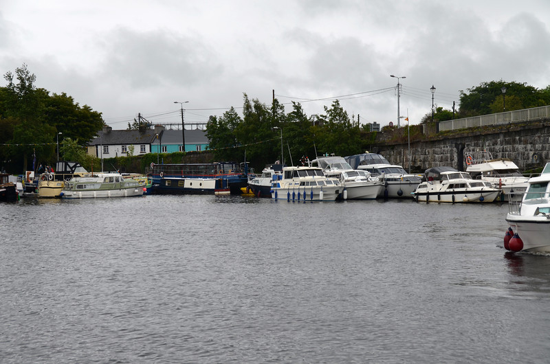 I had hoped to stop and take a few pics of the Lough Derg CIC in Banagher but there was another boat on my tail as I came through the bridge and I did  not have time to stop....
