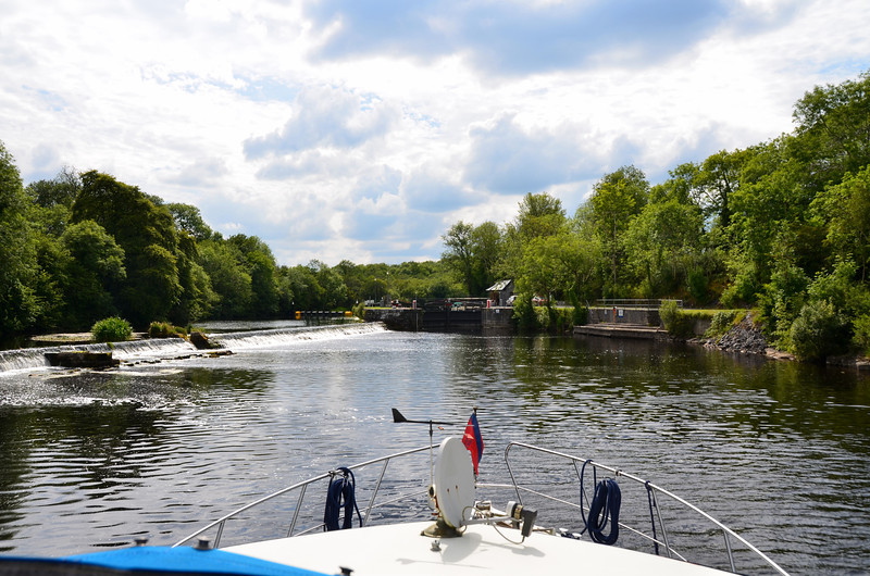 Approaching Clarendon Lock...This has to be one of the most attractive settings for a lock on the Shannon navigation system. Beautiful location.