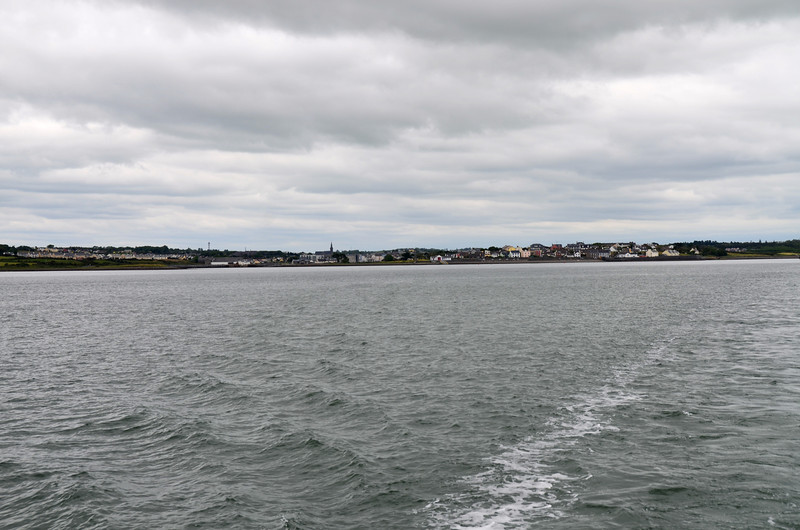 We depart Kilrush and begin the descent down the estuary. It will take approx 2hrs to get to Kerry Head.  As usual, the early part of the journey is very pleasant. And of course as we progress the swell/wave height increases the nearer we get to the mouth of the estuary.