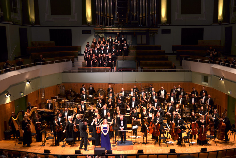 "The RTE Concert Orchestra with guest conductor Richard Kaufman and vocalists Andrew Playfoot and Whitney Claire Kaufman who collectively delivered a bravura performance at the recent concert in Dublin of the Film Music of Dimitri Tiomkin.<br /> <br /> So, what has this got to do with ""Arthur""?  Read on..."