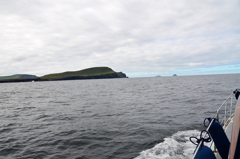 """Valentia Island on the left of photo. Skellig Islands in the distance.<br /> <br /> Short video clip of """"Arthur"""" approaching Bray Head:<br /> <br /> <a href=""""http://www.youtube.com/watch?v=NdH__834n98"""">http://www.youtube.com/watch?v=NdH__834n98</a><br /> <br /> [Good broadband recommended]"""
