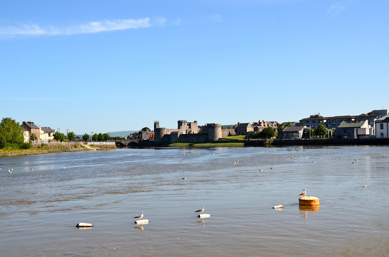 Anyone missing a  set of fenders?<br /> <br /> Looking upstream at King John's castle.