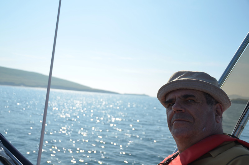 Skipper keeling over after lunch? No... just ensuring that my mug does not fill the lens!  Great Blasket in the background.
