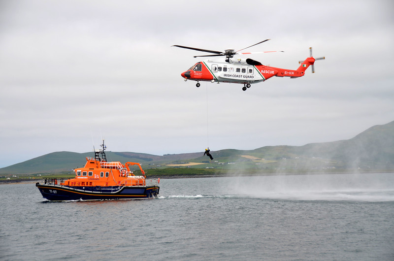 ICR helicopter and RNLI Lifeboat practice co-operation.