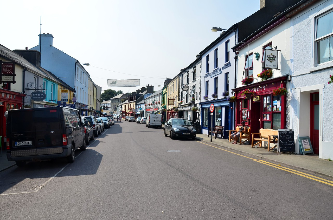 circa 16:37... Having moored we take the dinghy into the mainland and explore the town.  This is Main Street, Schull. It seems like a metropolis by comparison with Crookhaven! Two supermarkets and loads of other shops, pubs, restaurants.