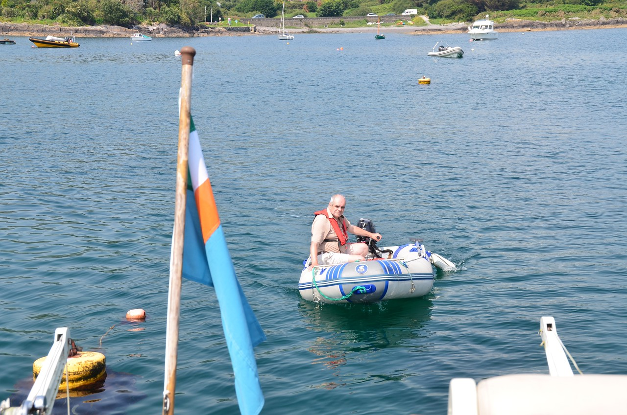 circa 14:50...Paul uses the dinghy to secure Arthur to the mooring buoy (not the one in the photo!)
