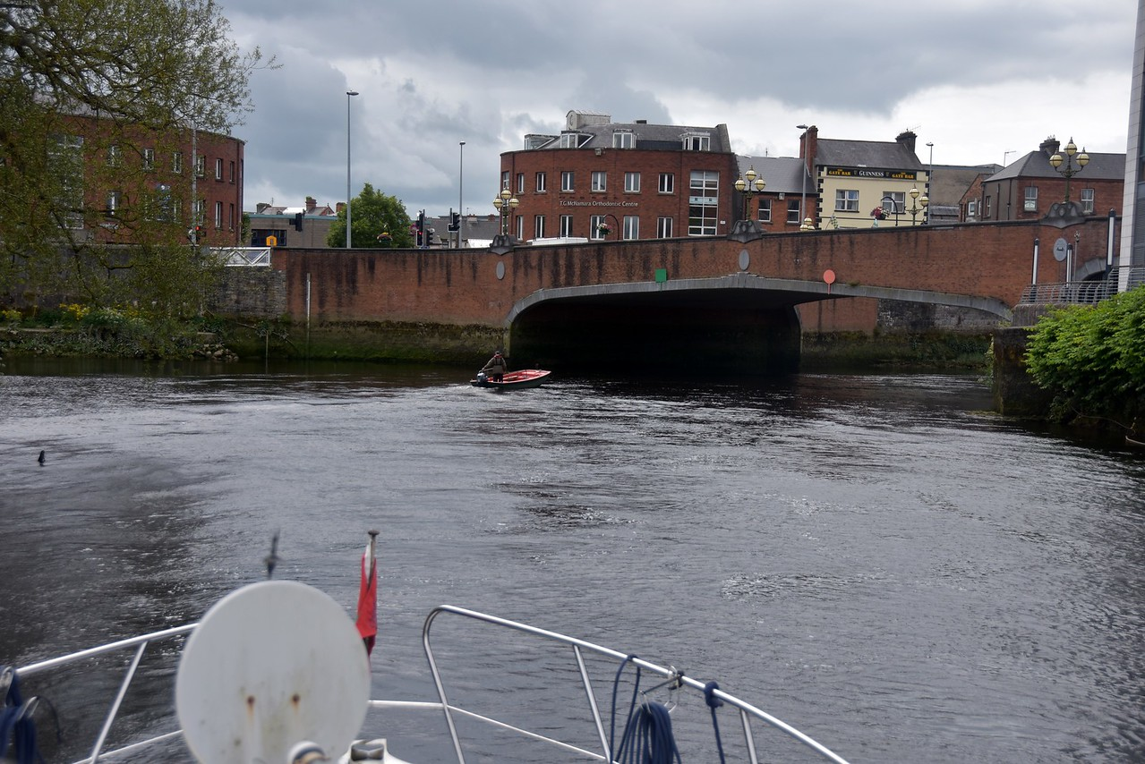 Heading into Limerick. No matter how often we have made this passage there is always a flow of adrenalin as we do the five bridges in quick succession! Pat leads the way. And we keep an eye on lining up dead centre of the navigation markers on the bridge!