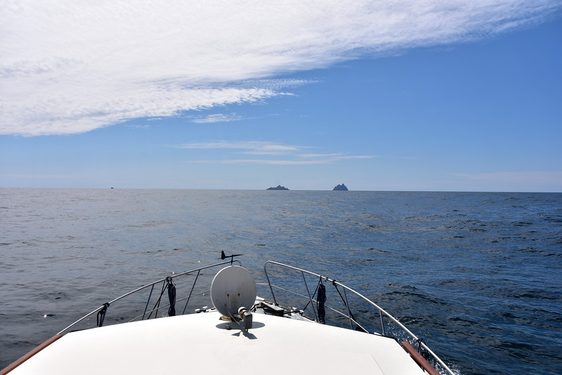 13:20...rounding Valentia Island. Skellig Michaels straight ahead. And Lemon Rock visible as a small blob to left of picture..