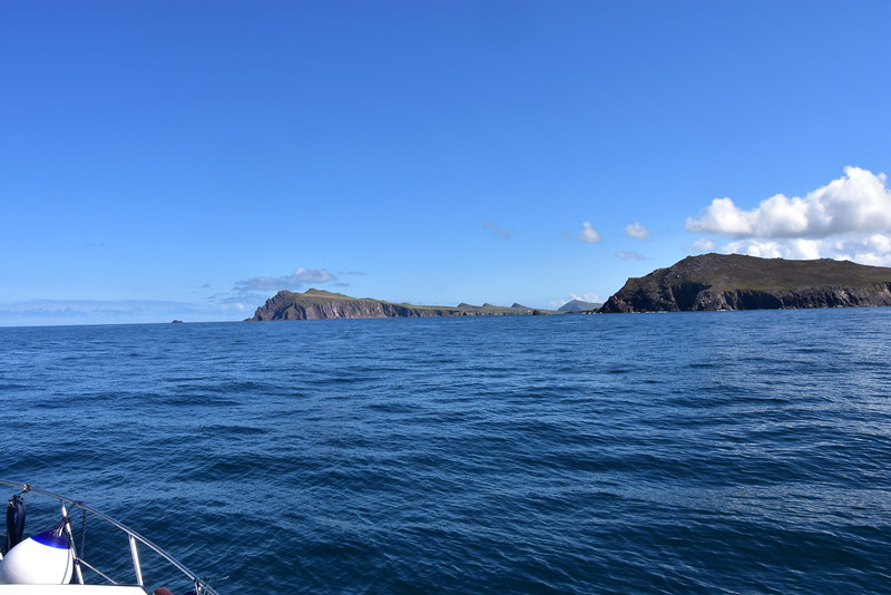 11:31... almost through the Blasket Sound. Sybil point slightly to left of centre and the Three Sisters in centre of the photo. We have made good progress since we left Dingle, just under two hours ago.