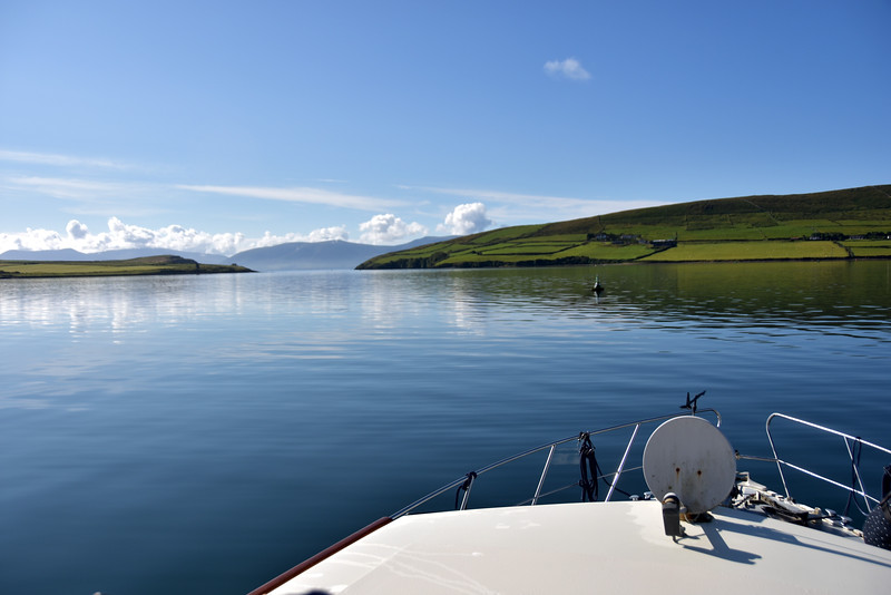 09:38... Dingle Bay ahead... I look at the still water today and remember Monday evening! What a contrast.