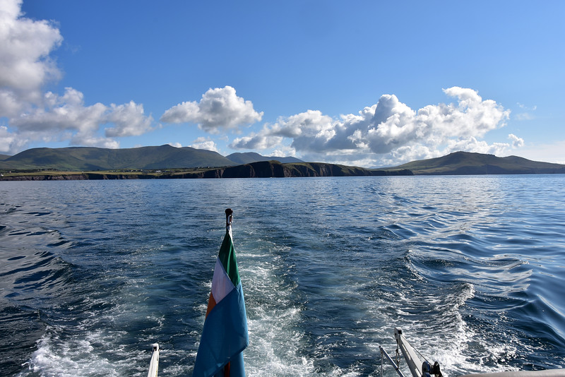 09:58... On Dingle Bay...looking back at the entrance to Dingle Harbour.