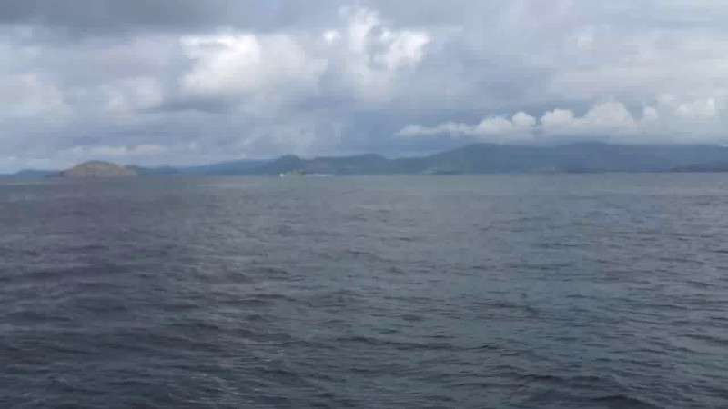 "VIDEO<br /> <br /> 11:33...click the above image to view a 27 second video clip  of ""Arthur"" departing Dursey Sound and then we notice LE Samuel Becklett on our starboard side! <br /> <br /> When the video is 'Loaded' you will need to click on the 'Play' button to start the video playback.<br /> <br /> NOTE that viewing the video will cause another page to open in which the video will play. To return to the PhotoJournal click on the X at top right-hand corner of the video page  OR hit the 'Back' button on your browser."