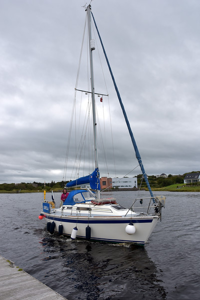 circa 13:24...Kim (Manager Kilrush Marina) and Peter about to head off for a few days R&R on their beloved Isabella.