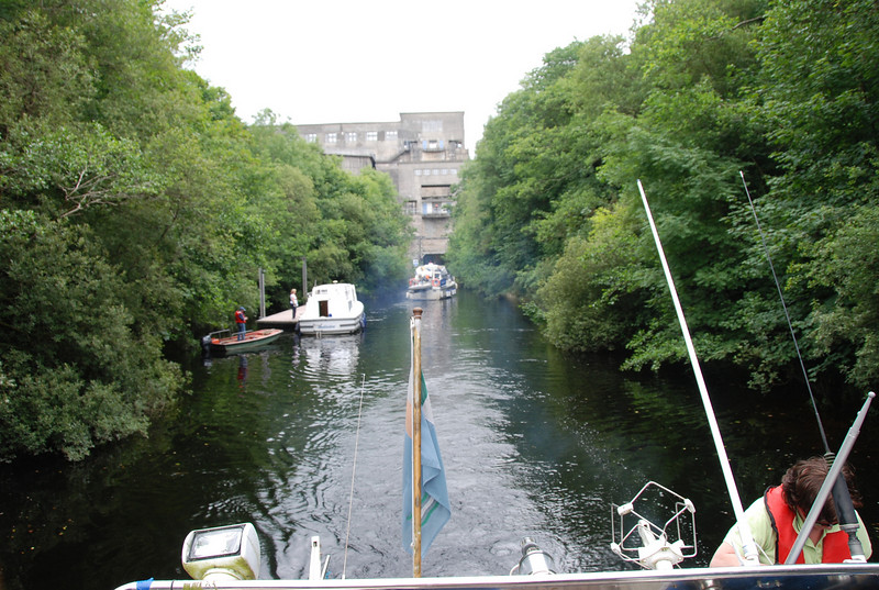 Two cruisers enter the lower chamber as Arthur and Besie enter the Tailrace.