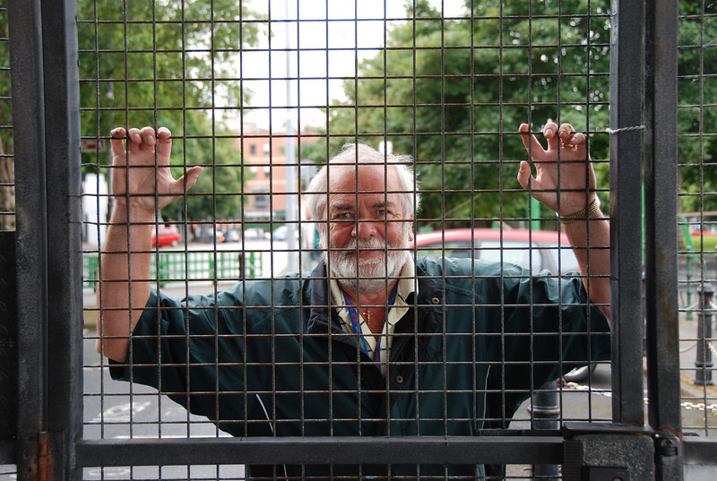 John behind bars........not the kind he would prefer to be behind.......nor indeed the kind that others would have him behind!!!