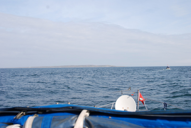 Inisheer (Inis Oirr) in the distance.