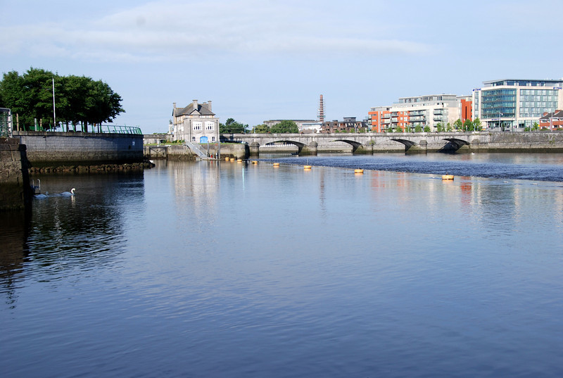 Sarsfield Lock which gives access to the Shannon Estuary.