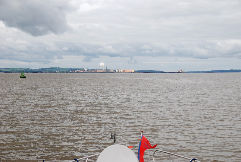 Aughinish Alumina in the distance...and we are cruising gently at just over 5kts. At this point our ETA at Kilrush is hovering around 15.00. Weather is ideal.  Low winds (indeed at time it was NO winds!) and no rain.