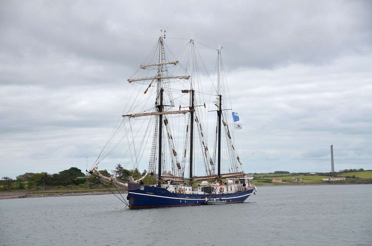 Salomon anchored off the public harbour at Kilrush.