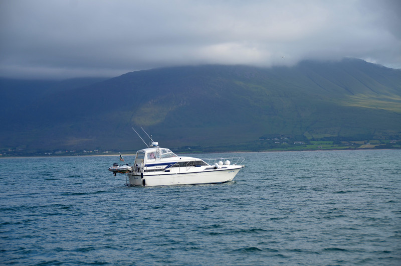 Pantou Pao in Tralee Bay.....weather permitting, we always like to stop for a photo-shoot. The scenery is gorgeous and makes for a lovely backdrop when taking photos of a boat.