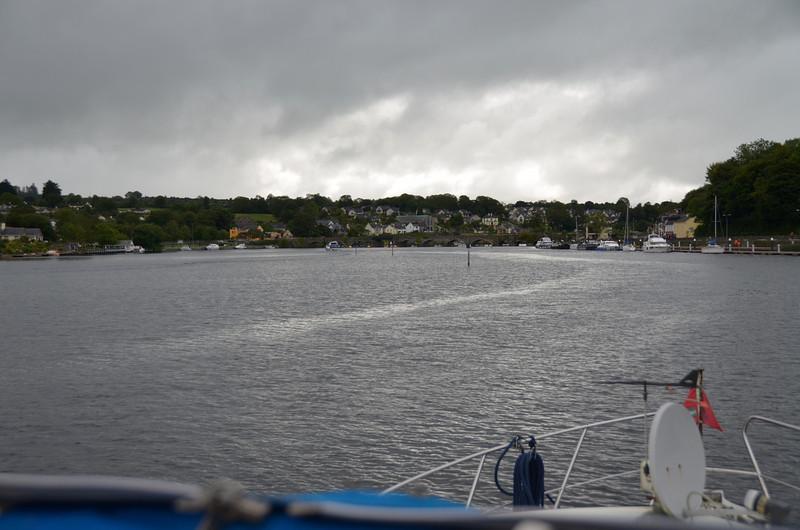 Approaching the bridge at Ballina/Killaloe