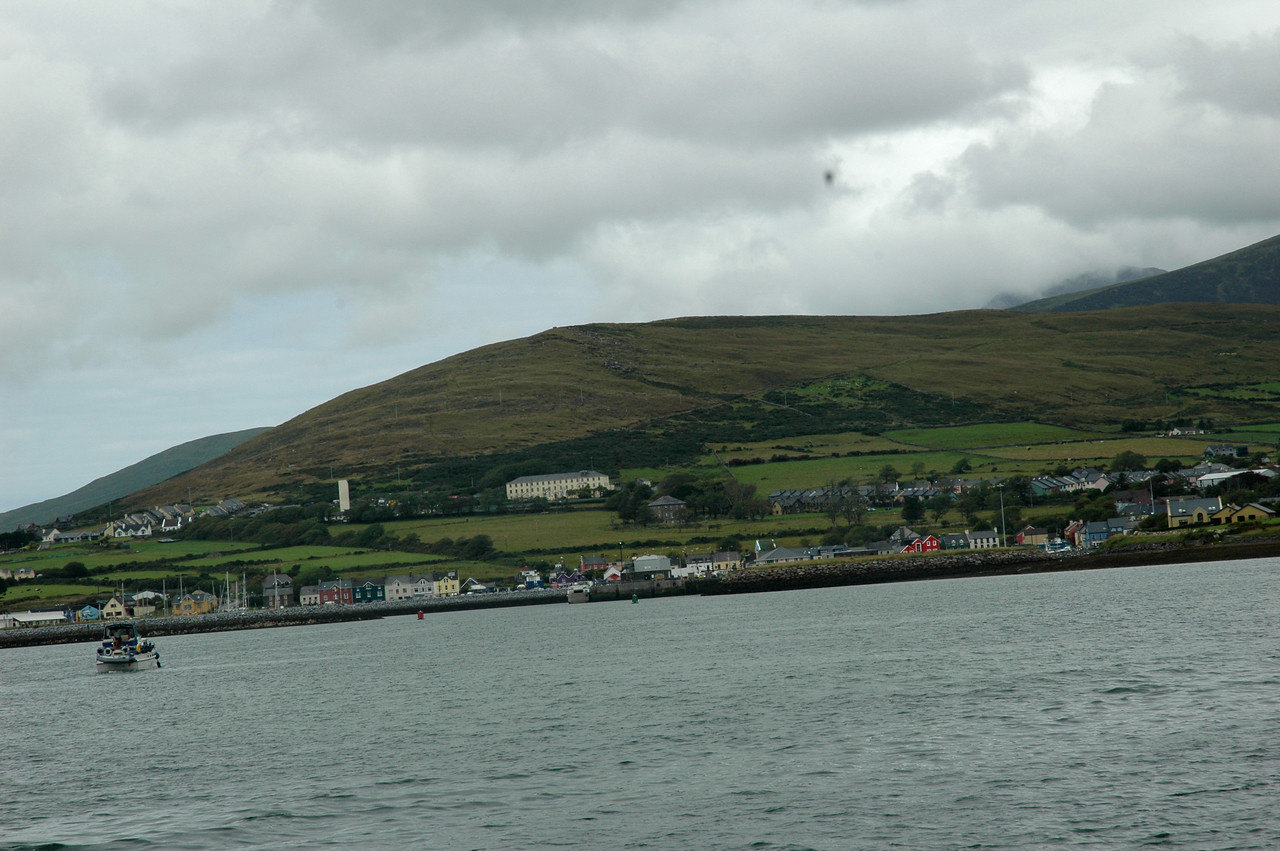 Circa 13.00 hrs... Arthur approaches Dingle Marina.<br /> <br /> Photo: Caoimhe Ryan