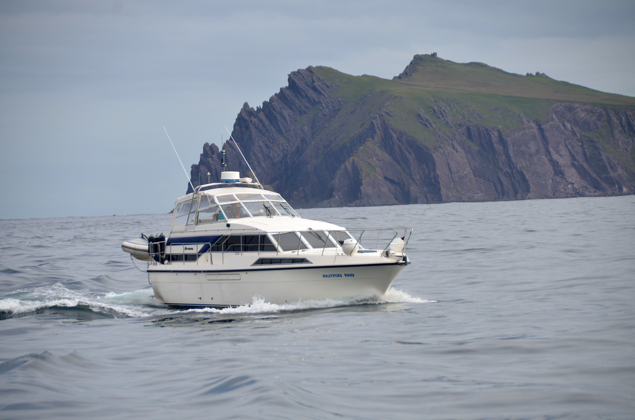Pantou Pao approaching the Blasket Sound.
