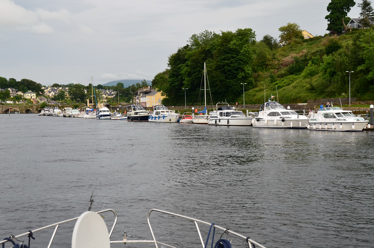Circa 19.15, as we approach Killaloe Bridge, we note the large number of boats gathered on the new pontoons. We suspect that some are likely participants in Noel Griffin's upcoming CIC to Limerick / Kilrush.
