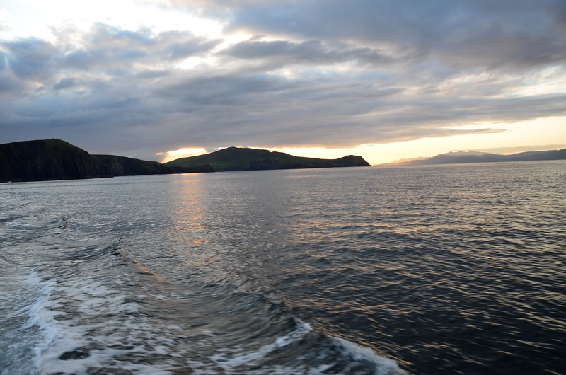 07:15...'Arthur' is on Dingle Bay and heading for the Blasket Sound.