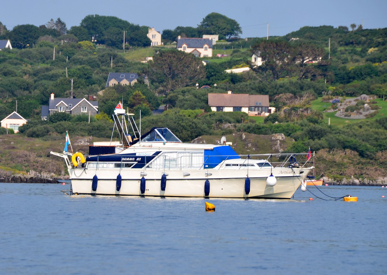 circa 17:12...'Arthur' looks at home on her visitor's mooring!