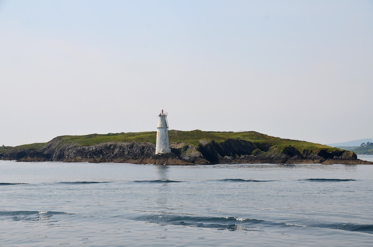 circa 14:25...Passing Copper Point Lighthouse on Long Island at the entrance to Schull Harbour.