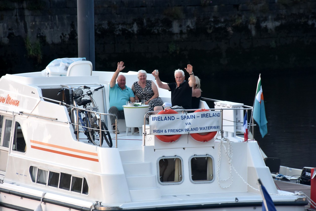 (Left to right) Geoff & Evelyne of 'Snow Mouse' and Pat & Geraldine of 'Cool Runnings'. And the banner at the back of Snow Mouse says it all! Pat has recently retired and they are now about to fulfill a dream to cruise to Holland via South-west coast of Ireland and then onto to Wales and then the south-coast of England and over to Dunkirk for winter mooring before resuming in Spring 2016 when they plan to passage through the canals of France, Belgium and Holland!  A mighty adventure indeed.